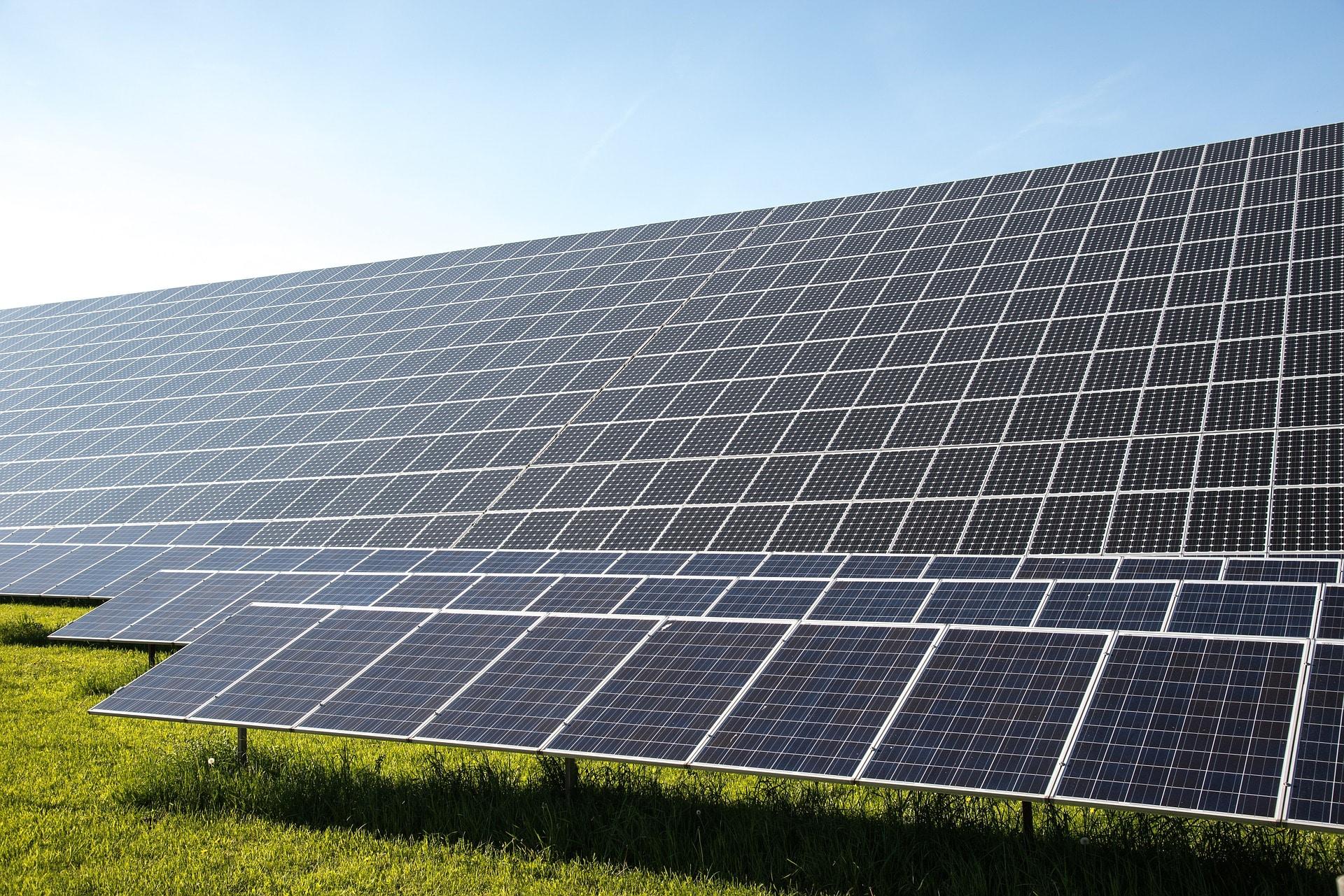 l'entretien des panneaux solaires