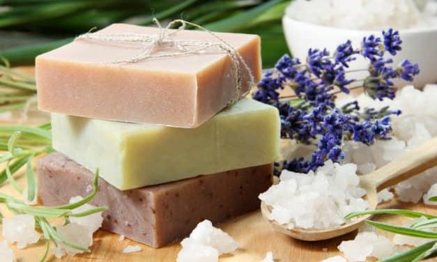 Savon maison:  6 recettes écologiques, rapides et faciles